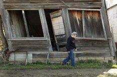 Pasaulē vientuļākās pilsētas pēdējā iedzīvotāja pilda gan mēra, gan bārmenes pienākumus