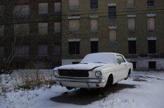 Pamestās automašīnas bankrotējušās Detroitas ielās