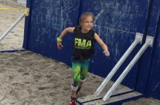 """Эта 9-летняя девочка прошла марафон с препятствиями """"от морских котиков"""""""