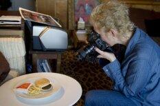 Fotogrāfe iemūžina, kā 'fast food' pretojas dabas likumiem