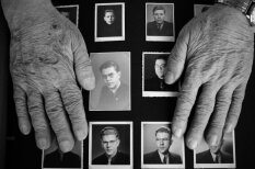 Atmiņas par dzimteni: Amerikas latvieši parāda bēgļu gaitās saglabātās relikvijas