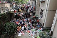 Kā izskatās, kad cilvēks dzīvoklī sakrāj 20 tonnas atkritumu