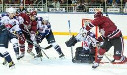 Rīgas 'Dinamo' ar saturīgu sniegumu 'bullīšos' zaudē 'Torpedo'
