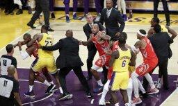 Video: NBA grandu spēlē izplūcas Rondo un Pols