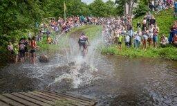 Foto: Vasarīgajā SEB MTB maratona Smiltenes posmā triumfē 'ZZK' un Priževoits