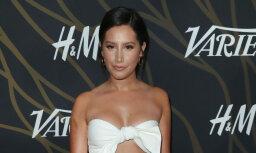 Foto: Amerikāņu aktrise gozējas ļoti ērmīgā kleitā