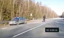 Autovadītājam videoreģistratorā konstanti 93 km/h, policija aptur par 151 km/h