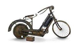 Izsolīs pasaulē pirmo sērijveida motociklu