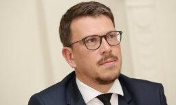 Talsu mērs Zelderis neuzticības balsojumā saglabā amatu