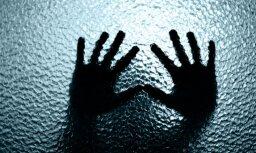 Par astoņus gadus vecās meitas seksuālu izmantošanu Imantā aiztur vīrieti