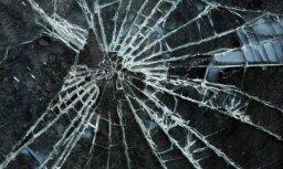Avārijā Grobiņas novadā iet bojā trīs cilvēki; satiksme atjaunota