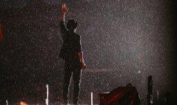 Foto: 'Prāta vētra' koncertā Daugavpilī aicina dejot lietū