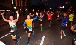 Foto: Jelgavas nakts pusmaratonā sasniegts jauns dalībnieku rekords
