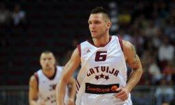 Известный в прошлом баскетболист сборной Латвии не может прожить на 930 евро в месяц