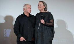 Kinoteātros sāk rādīt Kristas Burānes filmu par scenogrāfijas meistaru Andri Freibergu