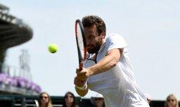 Gulbis turpina lejupslīdi ATP rangā