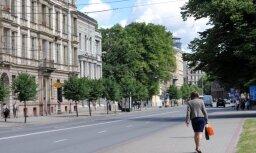 Līdz pirmdienai ierobežos satiksmi Krišjāņa Valdemāra ielas posmā