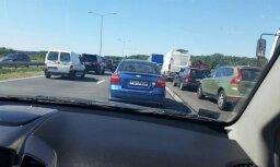На Юрмальском шоссе образовался транспортный затор