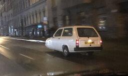 """ФОТО: В Риге замечен трехколесный автомобиль из фильма """"Мистер Бин"""""""