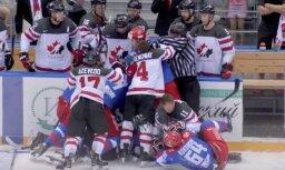 Video: Kanādas un Krievijas hokeja izlase turnīrā Sočos sarīko pamatīgu kautiņu