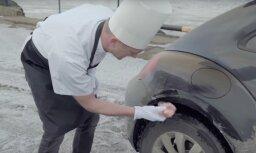 Video: Skutelis izsmej pilsētas pārsālītās ielas