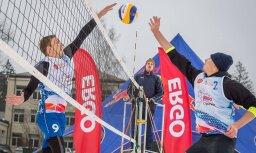Par Latvijas sniega volejbola čempioniem kļūst Solovejs/Finsters