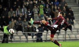 Jānis Ikaunieks Grieķijas čempionātā debitē ar nospēlētu puslaiku Larisas AEL uzvarētā spēlē