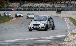Autošosejas budžeta klase 'ABC Race' sezonu noslēdz ar cīņām un avāriju