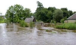 Чиновники подсчитают убытки от наводнений