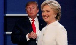 Trampa ciešā līdzās stāvēšana uz skatuves Klintonei bijusi 'ārkārtīgi nepatīkama'