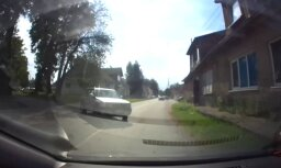 ВИДЕО ОЧЕВИДЦА: За несколько минут до того, как Opel врежется в стену дома