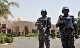 Tūristu iecienītā kūrortā Mali iebrūk džihādisti; divi nogalināti