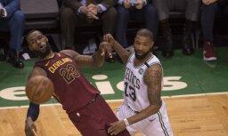 'Celtics' basketbolisti NBA pusfināla pirmajā spēlē aptur Džeimsu un 'Cavaliers'