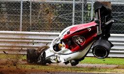 Peress un Fetels ātrākie F-1 Itālijas posma treniņos; Ēriksonam smaga avārija