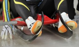 Kamaniņu jauniešu divnieks Krasts/Ševics-Mikeļševics izcīna trešo vietu Pasaules kausa posmā