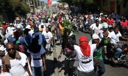 Foto: Korupcijas skandāla dēļ Haiti izcēlušies asi protesti