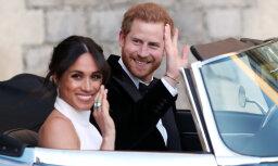 Foto: Jaunlaulātie Saseksas hercogs un hercogiene dodas uz kāzu svinībām