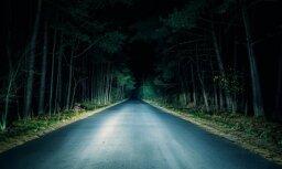 Случай в Лиепае: заплаканная девочка шла ночью одна, а полиция просто проехала мимо