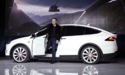 'Tesla' atklāj plānus ražot automobiļus Šanhajā