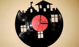 Jaunie mākslinieki izstādē 'Laika forma' attēlo laiku