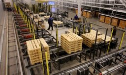Foto: Ieskats atklāšanā – Kundziņsalā darbu sāk 36 miljonus eiro vērtais loģistikas centrs 'Kraftool'