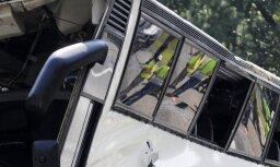 Autobusa avārijā Jaunzēlandē cietuši 15 britu tūristi