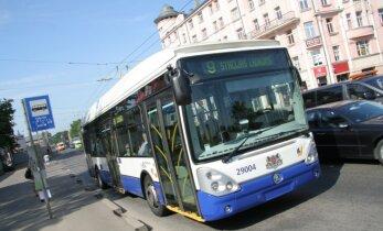 Pagarina vienotās norēķinu sistēmas pasažieriem ar atvieglojumiem ieviešanas termiņu