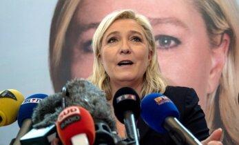 Ле Пен рассказала об отказе Олланда проводить референдум о выходе Франции из ЕС
