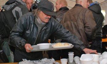 Nabadzības līmenis Krievijā cēlies līdz gandrīz 16%