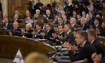 Saeima noraida ieceri par deputātu algu iesaldēšanu