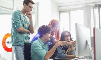 Pieci veidi, kā pusaudzis var pārliecināt vecākus par datora nepieciešamību