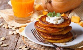 Zeltainas ķirbju pankūkas: piecas receptes, kas liks tev iemīlēt lielo, oranžo ogu