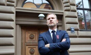 Par holokausta upuru nicināšanu Ētikas komisija rosina Gobzemu izslēgt uz vienu Saeimas sēdi