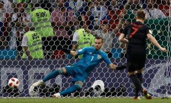 Horvātija dramatiskā ceturtdaļfinālā pēcspēles sitienos uzvar PK mājinieci Krieviju